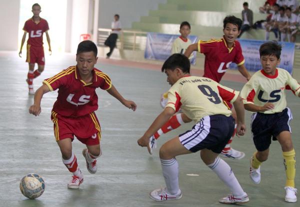 Nguyen-Thi-Dinh-do-Ly-Phong-4