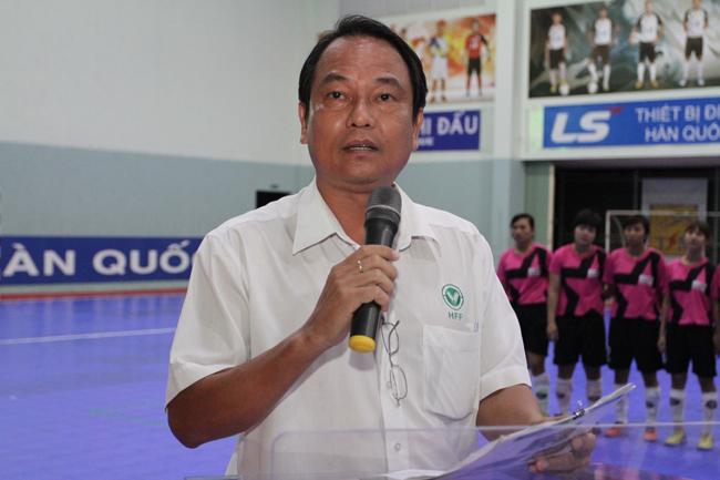 2-Ong-Luong-The-Tai-Dai-dien-HFF-phat-bieu-khai-mac-giai