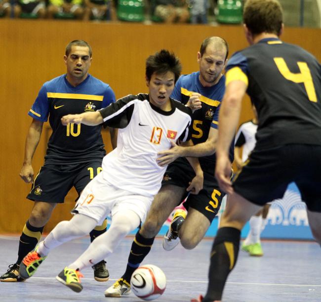 TRan-Van-Vu-trong-mau-ao-Tuyen-Futsal-VN-thi-dau-voi-Australia