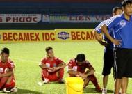 Kết quả vòng 4 V-League 2013: Thất vọng B.Bình Dương, San Ninh Bình mưa bàn thắng