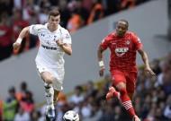 Tottenham thắng nhọc, Man City hòa thất vọng