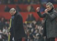 M.U-Chelsea: Mourinho tăng nhiệt cho... Chelsea