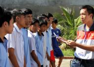 Đẩy mạnh phong trào bóng đá học đường