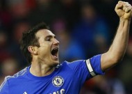 Premier League - Lampard signs new one-year deal at Chelsea