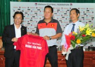 Football Federation signs a two-year contract with Phuc