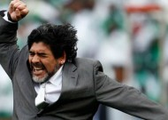 Maradona clashes with reporters on return home to Buenos Aires