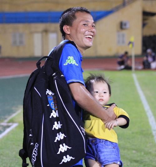 Ông bố Thành Lương với cô công chúa nhỏ của mình