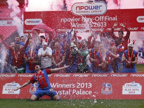 Crystal Palace coi như đổi đời với chiến thắng ở chung kết play-off lên Ngoại hạng Anh. Ảnh: AFP.