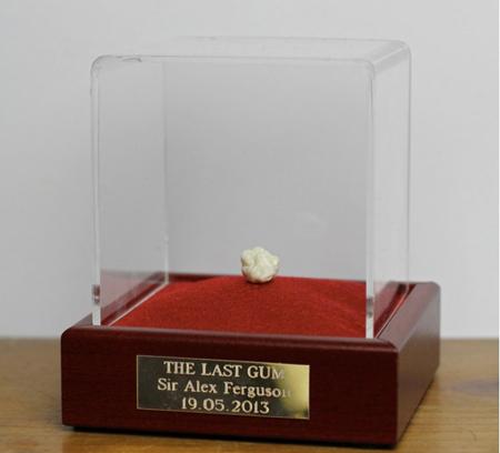 Chiếc bã kẹo cuối cùng của Sir Alex trong sự nghiệp HLV