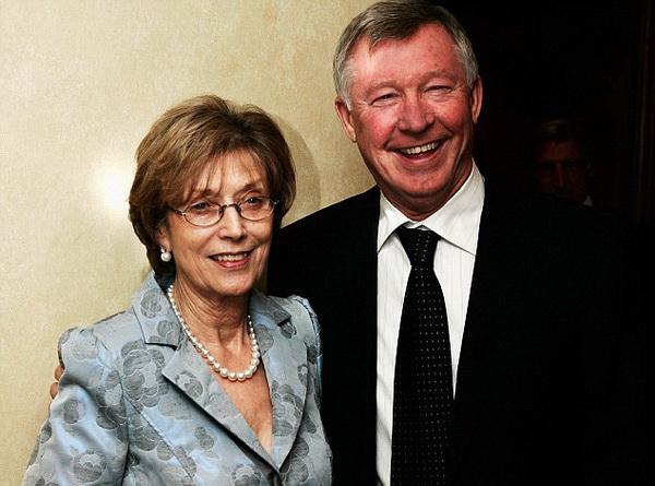 Sir Alex cảm ơn bà Cathy đã ủng hộ ông