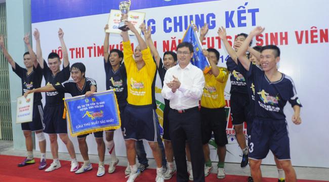 """Ảnh """"độc"""" và """"đẹp"""" tại giải tài năng Futsal Sinh Viên 2012"""