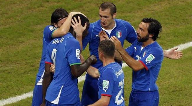 Balotelii lại nổ súng trong chiến thắng của Italy.