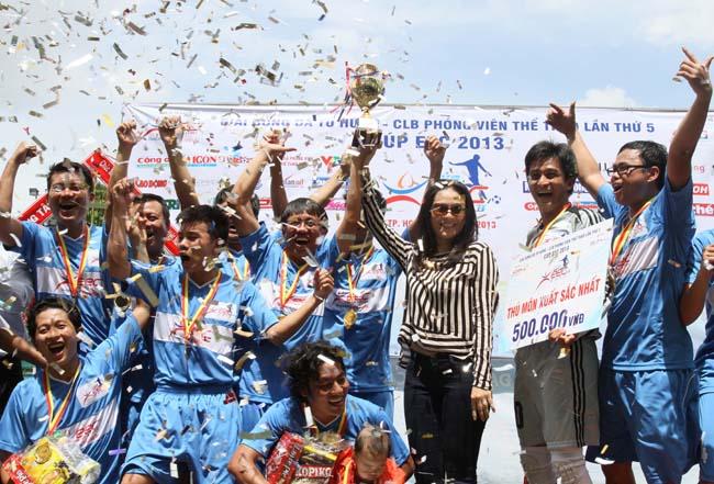 Đội Chung Sức vô địch 2013
