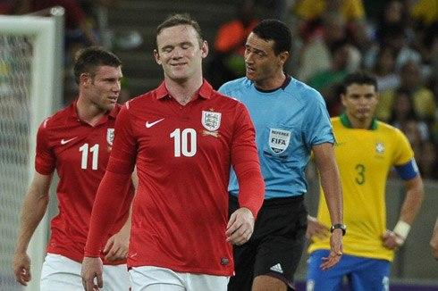 Anh của Rooney hòa mà như thắng trước Brazil đang chịu áp lực kỳ vọng rất lớn. Ảnh: AFP.