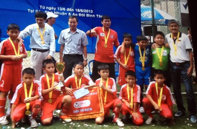 U10 quận Phú Nhuận vô địch