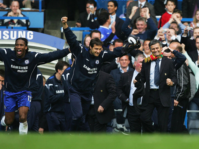 Mourinho guided Chelsea to the title again in 2006