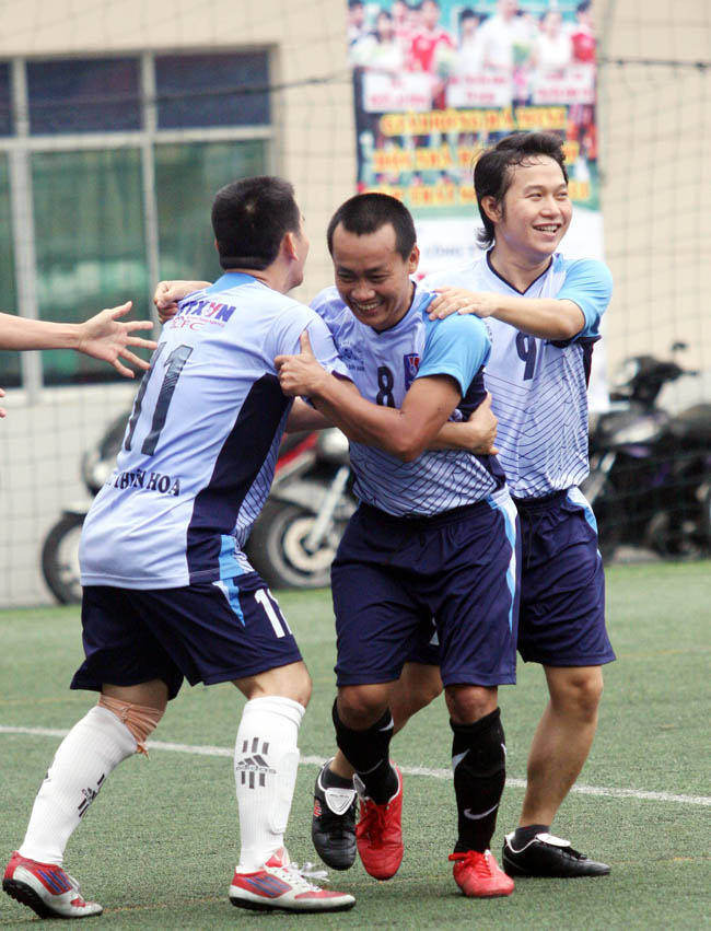 Niềm vui của các cầu thủ đơn vị TTXVN