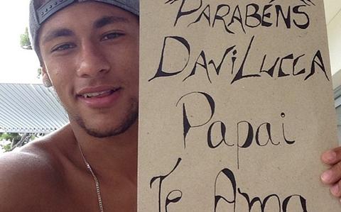 Neymar chúc mừng sinh nhật cậu con trai Lucca