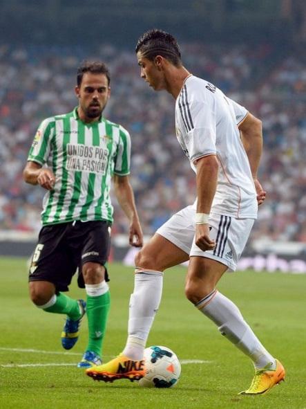 đồ chiến thuật của tân HLV Carlo Ancelotti khiến Ronaldo phải điều chỉnh lối chơi của mình.