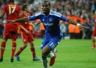 Drogba ghi bàn trong 10 trận chung kết, giành 10 danh hiệu
