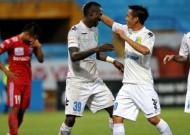 Vòng đấu áp chót V-League 2013: Cuộc chiến ở trên đỉnh