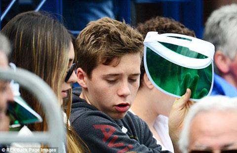 Cô gái đi xem quần vợt với Brooklyn hồi tháng 6/2013 này có phải bồ của cậu?