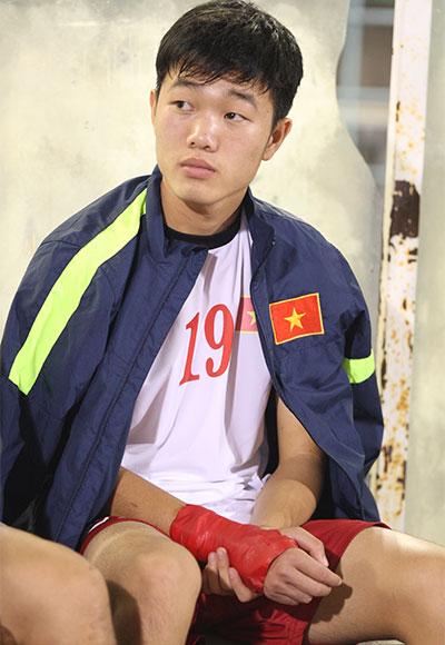 Tiền vệ đội trưởng Xuân Trường dù còn đau tay nhưng đã sẵn sàng thi đấu.