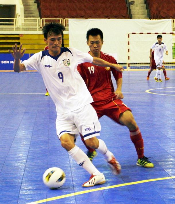 Đài Bắc ( trắng) giành vé vào VCK