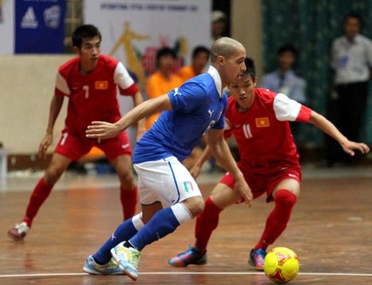 Tuyển Futsal Việt Nam có những trải nghiệm quý báu tại Futsal quốc tế 2012