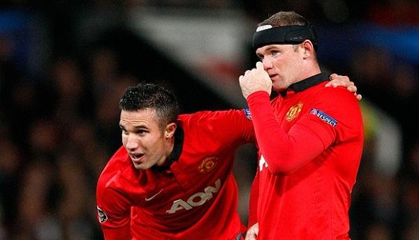 Sự có mặt của van Persie (trái) khiến Rooney phải đá tiền vệ mùa trước - Ảnh Getty.