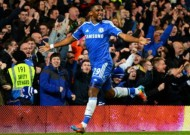 Chelsea 3-1 Manchester United: Eto'o hits hat-trick as Blues stroll to easy win