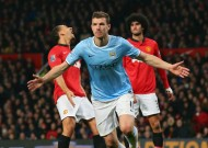 Dzeko on the double as City breeze to derby win