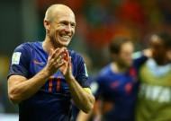 Dutch put five past defending champs Spain