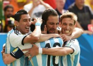 Higuain strike sends Argentina to semis