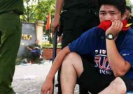 Vietnam's U-19 team fans damage national football office