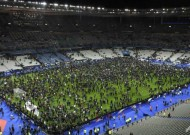 Shock, horror for 80,000 fans at Stade de France