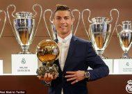 Ronaldo lần thứ 4 đoạt danh hiệu Quả bóng Vàng