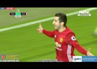 Man United và Man City cùng thắng trong ngày Lễ tặng quà
