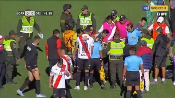 Bolivian referee dies after collapsing on pitch