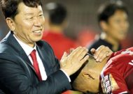 Coach Chung Hae-seong is proving that tycoon Đức is wrong