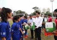 Giao hữu bóng đá giữa TP.HCM và tỉnh Gangwon