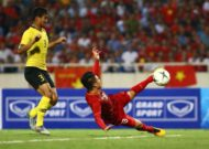 "Vietnam national team receive a ""rain' of bonus after Malaysia win"