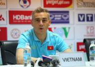 HLV Miguel Rodrigo chia tay tuyển futsal Việt Nam
