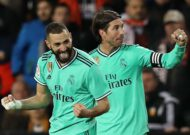 Benzema & Courtois rescue Real Madrid at Mestalla to set up perfectly-balanced Clasico