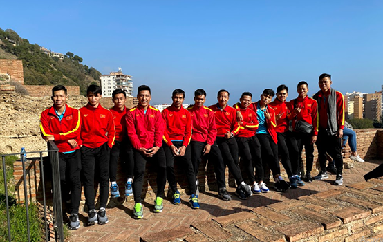 Tuyển futsal Việt Nam thăm nhà hát La Mã và lâu dài Alcazaba hùng vĩ