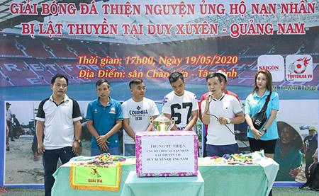 Tuyển thủ futsal Việt Nam đá bóng gây quỹ thiện nguyện
