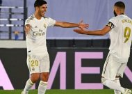 Real Madrid beat Alaves to move within two wins of title