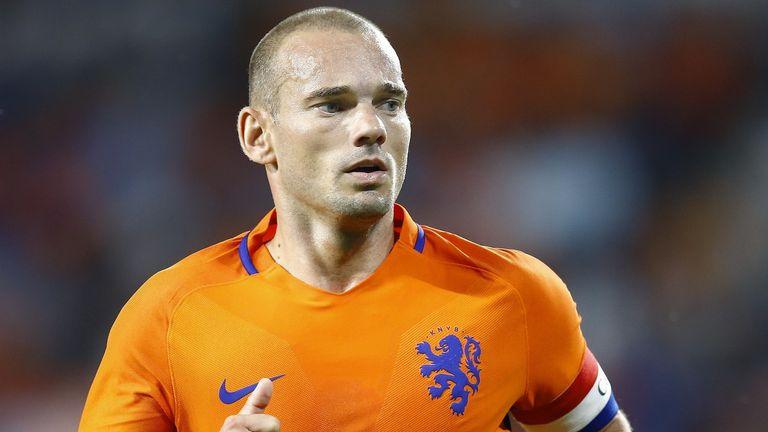 Wesley Sneijder: Former midfielder considers comeback after returning to training