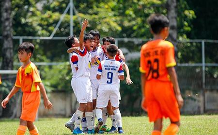 Giải U12 năng khiếu TP.HCM 2020: Navy Phú Nhuận đấu chung kết với U12 quận Hóc Môn