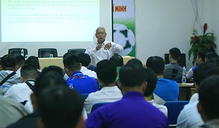Hội thảo chương trình bóng đá Cộng đồng TP. Hồ Chí Minh giai đoạn 2020 – 2025